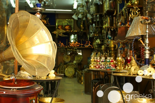 Athens flea markets: Grammophones in Monastiraki