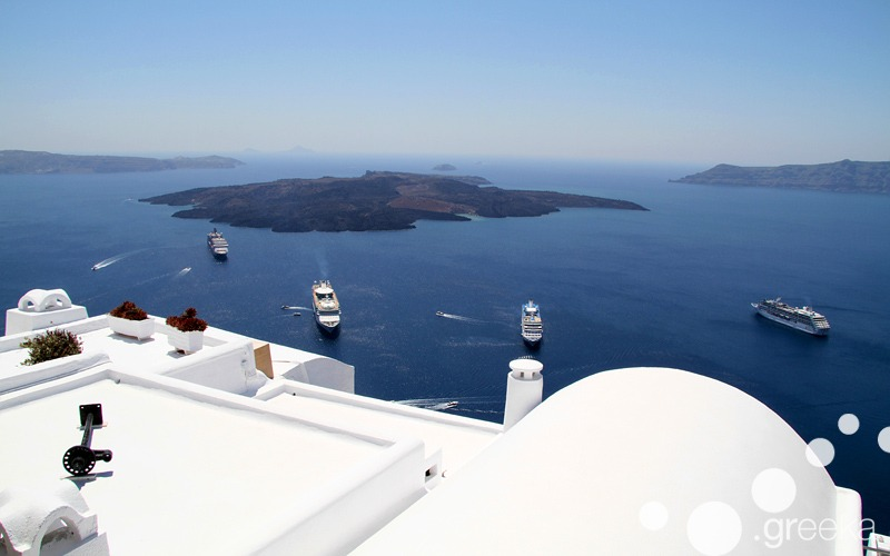 Best day trips from Naxos: Santorini island