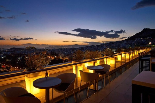 Roof garden bars in Athens: Galaxy Bar Hilton Hotel