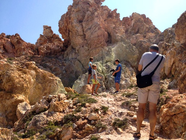 Milos tours: geological tour to volcano