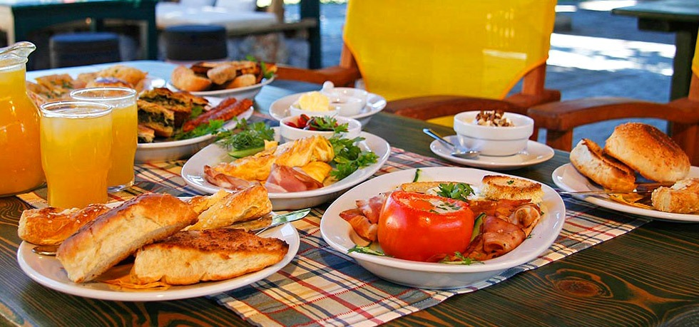 The Greek Breakfast in hotels and cafeterias
