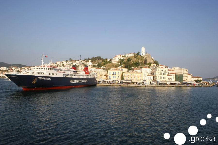 poros-ferry-greece