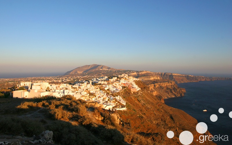 Santorini hiking: from Fira to Oia