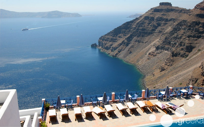 Hotels in Santorini with caldera view