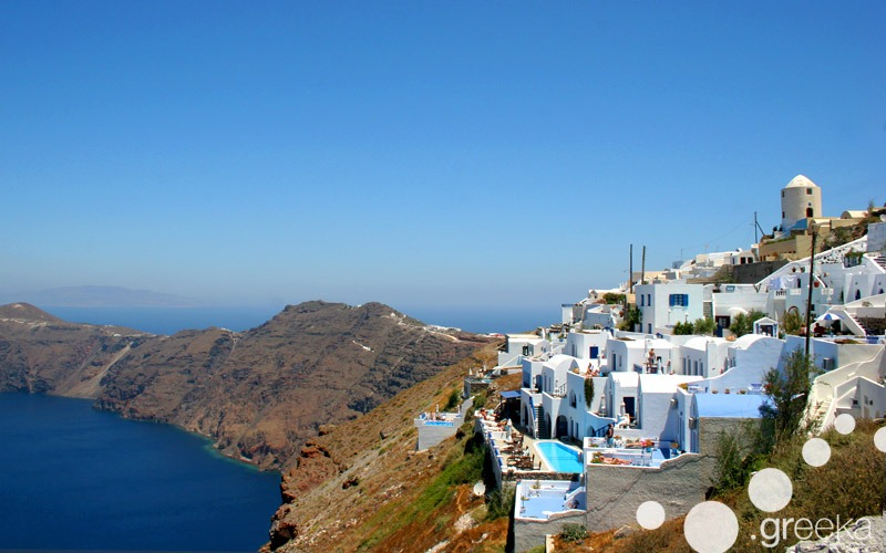 Luxury hotels in Santorini